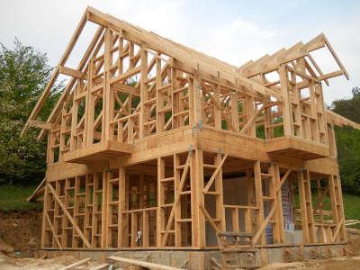 Como São Feitas as Casas nos Estados Unidos construção de casa americana usando madeira