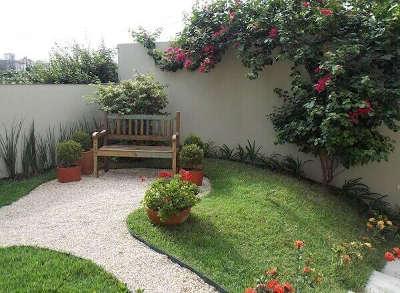 como são feitas as casas nos Estado Unidos grande quintal no brasil considerado pequeno na américa