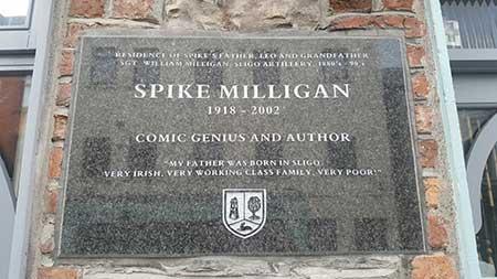 Poemas-Faceis-Para-Aprender-Inglês--a-casa-do-pai-de-spike-milligan-em-Sligo,-Irlanda-2