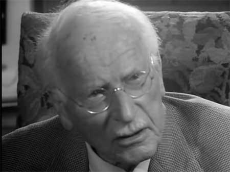 """Sonhar-Falando-Inglês-Carl-Jung médico e psiquiatra Suíço dizia que: """"Sonhos são realizações de desejos ocultos"""